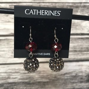 NWT Catherines Red Bead/Silver ball dangle earring